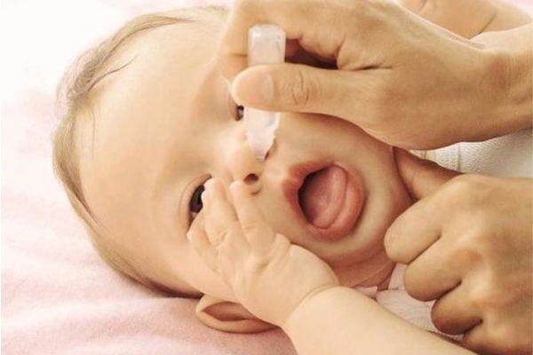 trẻ sơ sinh bị cảm cúm