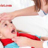 trẻ bị viêm amidan có mủ